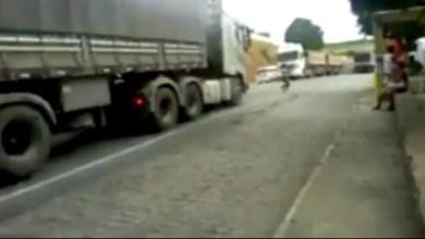 Photo of Chapada: Vídeo de jovem quase sendo atropelada alerta para a necessidade de passarela no Zuca