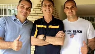 Photo of #Polêmica: Presidente condecora novamente os filhos Eduardo e Flávio Bolsonaro; 15 ministros também estão na lista