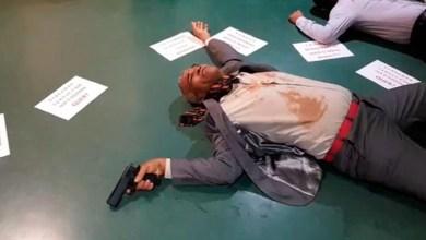 Photo of #Vídeo: Deputado baiano realiza intervenção cênica contra decreto presidencial sobre porte de arma