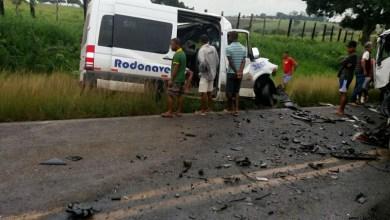 Photo of #Bahia: Oito pessoas morreram em acidente grave entre van e carreta na região de Feira de Santana