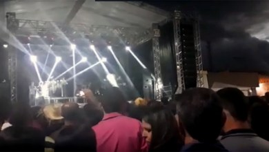 Photo of Chapada: Banda Calcinha Preta sobe no palco de Dom Basílio sob vaias do público após atraso