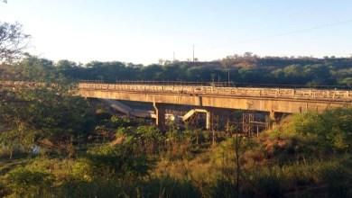 Photo of Chapada: Parte da construção da nova ponte sobre o rio de Contas cai na região de Tanhaçu; veja vídeos
