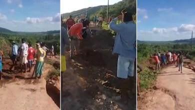 Photo of #Tragédia: Grupo de moradores se reúne para consertar estrada na zona rural de Pedro Alexandre