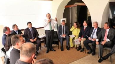 """Photo of """"Está nas mãos do Senado votar alternativas para retomada de investimentos nos estados"""", diz Rui"""