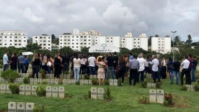 Photo of #Salvador: Sob forte comoção, adolescente de 12 anos que morreu após cair de prédio é enterrado
