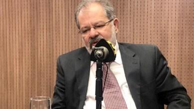 Photo of #Polêmica: Marcelo Nilo diz respeitar LGBTs, mas não gosta de ver dois homens ou duas mulheres se beijando