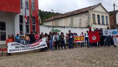 Photo of Chapada: Prefeito é alvo de protesto de professores em Caém por não cumprir acordos