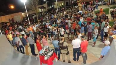Photo of Chapada: Prefeita de Nova Redenção reúne população para entregar praça, viatura e usina asfáltica