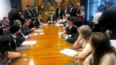 """Photo of """"Maia assume que não vai pautar projetos que criminalizem movimentos sociais"""", informa Valmir"""