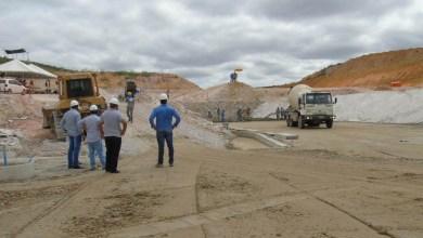 Photo of Chapada: Obras da Barragem de Baraúnas estão paradas e cerca de 60 funcionários foram demitidos