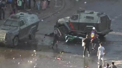 Photo of #Mundo: Jovem é esmagado entre blindados durante manifestação no Chile