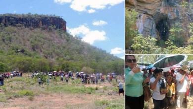 Photo of #Polêmica: Suposta aparição de Nossa Senhora em gruta atrai centenas de fiéis ao norte de Minas Gerais