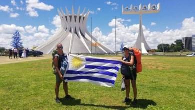 """Photo of Uruguaios viajam pela América e conhecem todos os estados brasileiros de carona: """"Cada estado é um país"""""""