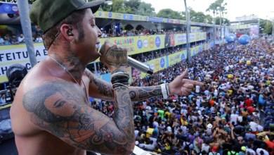 Photo of #Bahia: Igor Kannário polemiza no carnaval chamando policiais de 'agressores e bunda-mole'; corporação repudia ato do cantor