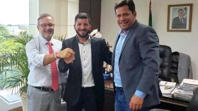 Photo of Chapada: Governo entrega ambulância para a Santa Casa de Ruy Barbosa e discute novos serviços de saúde