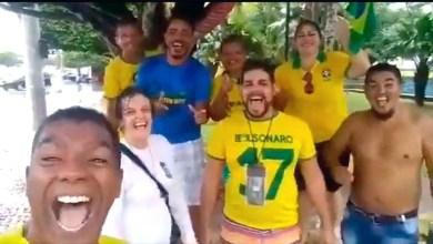 """Photo of #Brasil: Bolsonaro chama coronavírus de """"gripezinha"""" e apoiadores debocham da pandemia em vídeo"""