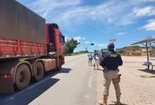 Photo of Chapada: Caminhoneiros recebem refeições gratuitas de voluntários durante ação da PRF na BR-242 em Seabra