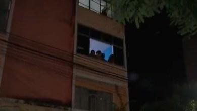 Photo of #Salvador: 'Cine Janela' projeta filmes em fachada de prédio para moradores em isolamento durante pandemia