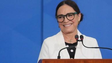 """Photo of #Polêmica: """"Cultura é aquele pum produzido com talco espirrando do traseiro do palhaço"""", diz Regina Duarte"""