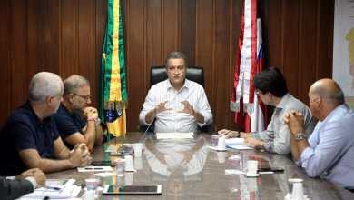 Photo of #Vídeo: Rui reúne equipe, rebate Bolsonaro e cobra ampliação do credenciamento de hospitais no SUS