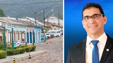 Photo of #Chapada: Prefeito de Mucugê paga salário após servidores reclamarem de atraso; queda de receita ocasionou o problema