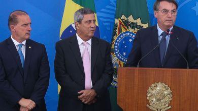 """Photo of #Polêmica: Bolsonaro diz que tem decreto pronto para reduzir isolamento; """"Estou esperando o povo pedir mais"""""""