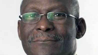 Photo of #Mundo: Médico nigeriano que largou aposentadoria para ajudar no combate à doença morre de Covid-19