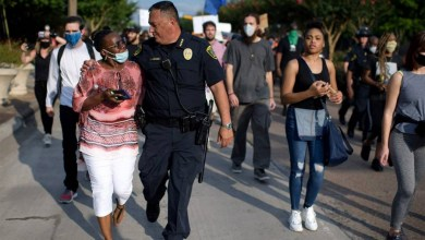"""Photo of #Mundo: Chefe de polícia de Houston confronta Trump; """"Se não tem nada construtivo para dizer, cale a boca"""""""