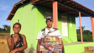 Photo of #Chapada: Moradores de comunidade em Lajedinho ganham casas via projeto 'Sertão Forte' do fotógrafo Noilton Pereira