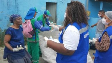 Photo of #Salvador: Ação conjunta assiste idosa que acumulava 1,4 tonelada de lixo em casa na capital