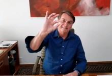 """Photo of #Vídeo: Bolsonaro grava vídeo tomando cloroquina e lança frase de efeito; """"Eu confio na hidroxicloroquina. E você?"""""""