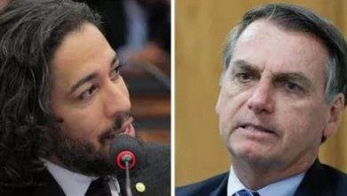 """Photo of #Polêmica: """"Isso é uma confissão de que ele é o chefe da organização criminosa?"""", indaga Jean Wyllys após Bolsonaro usar a AGU para defender 'fake news'"""