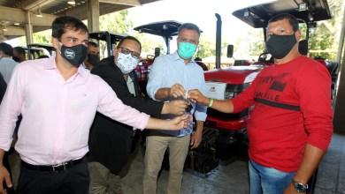 Photo of #Bahia: Governador Rui Costa entrega mais 67 tratores agrícolas a entidades de 59 municípios baianos