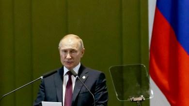 Photo of #Mundo: Rússia é o primeiro país a anunciar vacina contra a covid-19; OMS pede cumprimento de protocolos