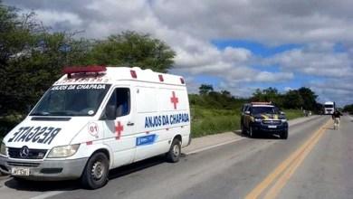 Photo of #Chapada: Veículo que seguia em direção a Palmeiras perde uma das rodas traseiras e capota na BR-242