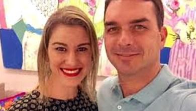 Photo of #Polêmica: Sem sacar dinheiro da conta por 4 anos, mulher de Flávio Bolsonaro pagou despesas em espécie
