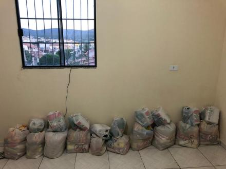Funcionários fazem vaquinha para comprar cestas básicas
