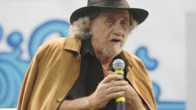 Photo of #Vídeo: Cantor Elomar Figueira Mello diz em 'live' que o coronavírus é comunista e surpreende público