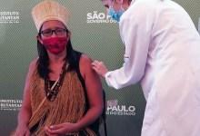 """Photo of #Brasil: Primeira indígena a ser vacinada contra a covid em São Paulo diz que """"a vacina salva vidas"""""""