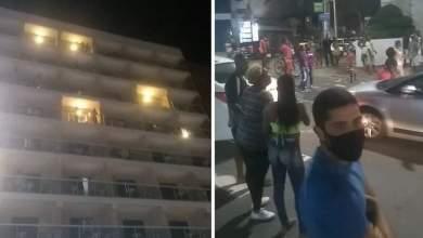 Photo of #Vídeos: Chuva de dinheiro tem notas de R$50 e R$100 jogadas de cobertura de hotel de bairro nobre em Salvador