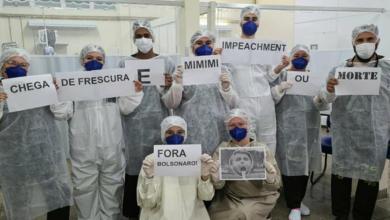 """Photo of #Brasil: Profissionais de saúde no país mandam recado a Bolsonaro em foto; """"Impeachment ou morte"""""""