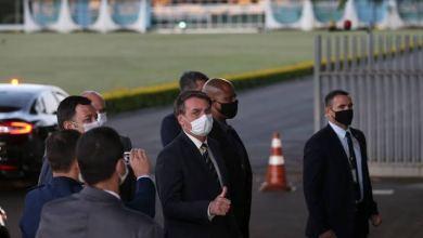"""Photo of Bolsonaro afirma que está aguardando """"sinalização do povo"""" para """"tomar providências sobre a crise econômica"""""""