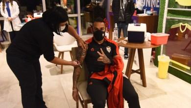 Photo of #Brasil: Vacinação da delegação do Atlético-GO levanta debate no futebol sobre imunização de grupos não prioritários
