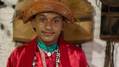 Photo of #Chapada: Conheça o curandeiro mais jovem de religião única da região chapadeira; ele se tornou pai de santo aos 12 anos