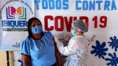 Photo of #Chapada: Profissionais de Educação de Ibiquera recebem a primeira dose de vacina contra a covid-19