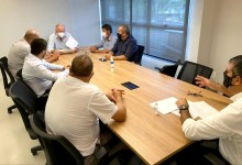Photo of #Chapada: Prefeito de Piatã ajusta parceria com deputados para execução de asfaltamento na BA-560