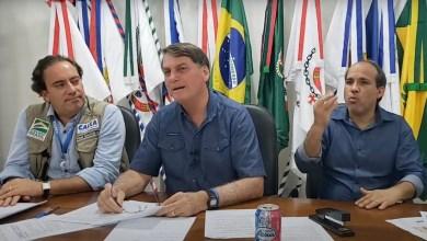 """Photo of #Vídeo: Bolsonaro se irrita com chance de FHC votar em Lula e sugere """"dar dinheiro pro MST"""" invadir suas fazendas"""