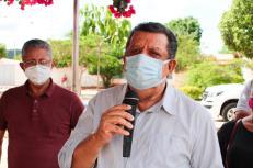 O prefeito 'Dinho' durante atividade na zona rural do município chapadeiro | FOTO: Divulgação |