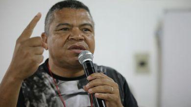 """Photo of """"Bala sempre encontra o corpo negro"""", diz Valmir sobre mortes de mulheres durante ação policial em Salvador"""