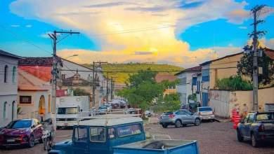 """Photo of #Chapada: Fotógrafo registra nuvem 'cumulonimbus' próxima de Lençóis; """"Ia ser chuva até umas horas"""""""